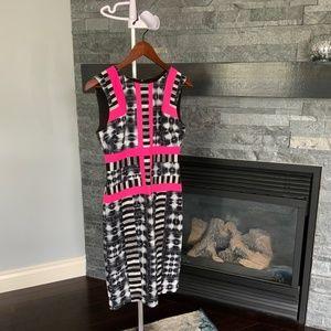 Detailed sleeveless pencil dress size 2